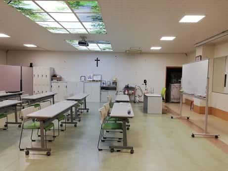 堺市で介護の研修、看護の研修をお探しならハローカレッジへ